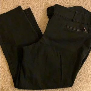 Cropped Pants in Black